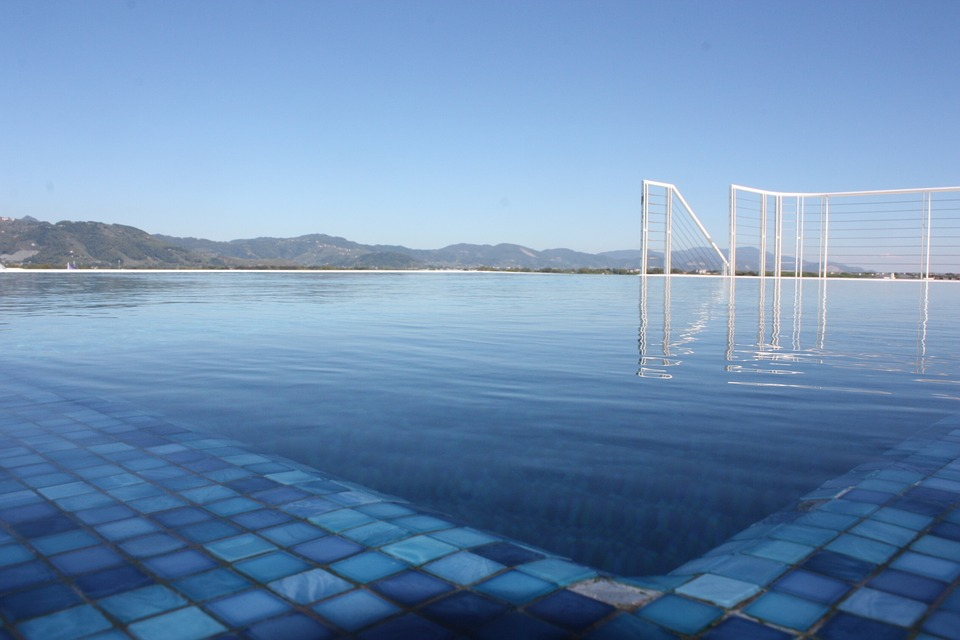 Factors Influencing A Frameless Glass Pool Fencing Price