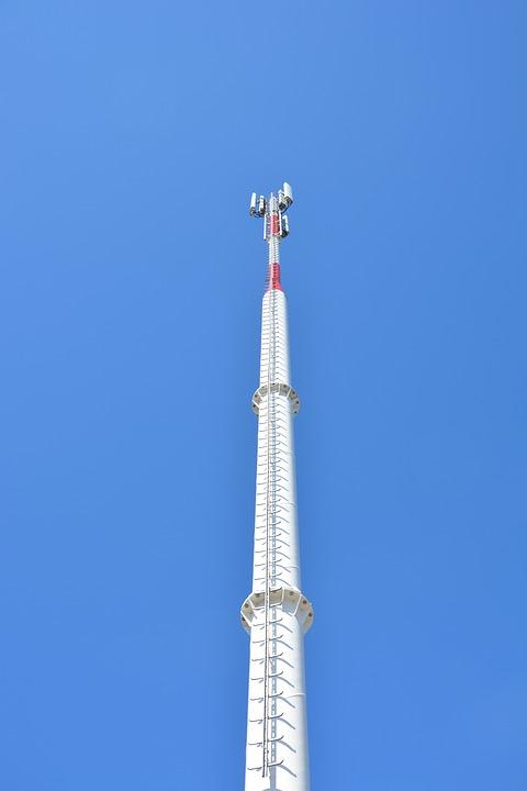 Os benefícios de alugar o seu terreno para a construção de torres de telefonia
