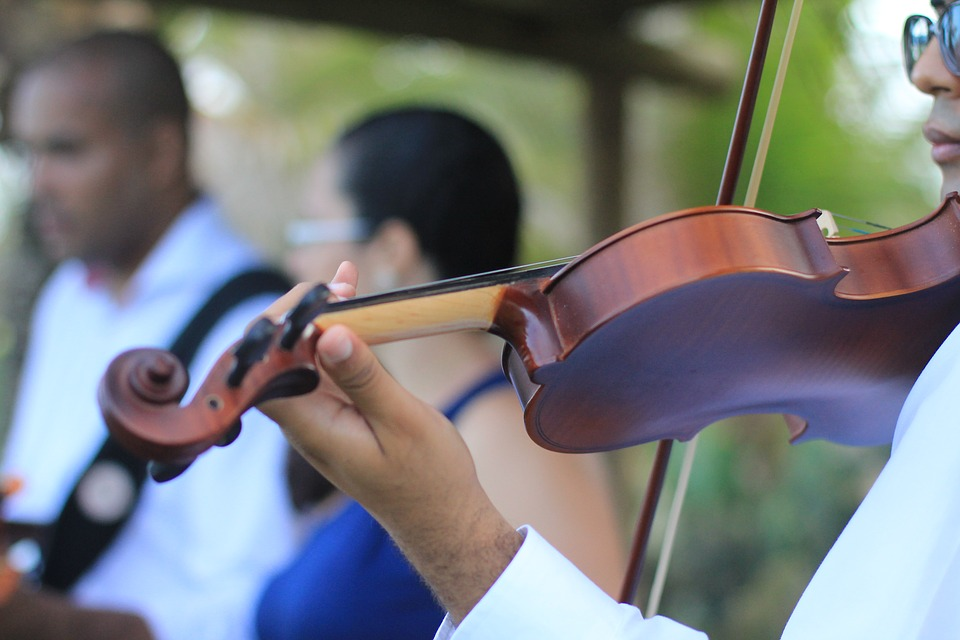 3 Reasons To Opt For Unique Wedding Entertainment