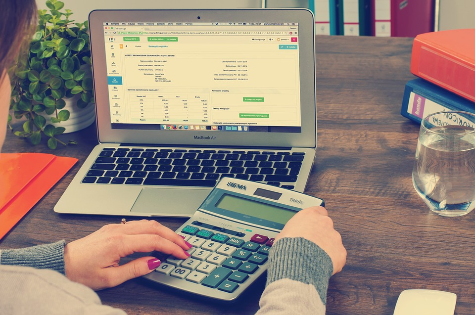 Reasons To Outsource Bookkeeping Services
