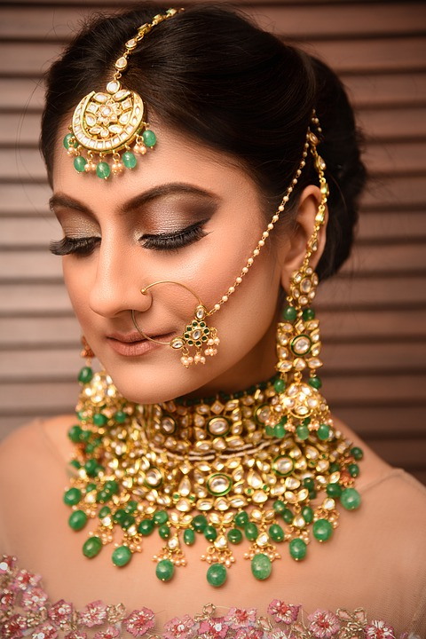 Top 4 Must-Have Bespoke Punjabi Jewelry For Women