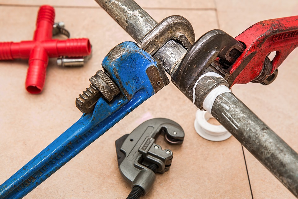 DIY Reticulation Repairs In Perth: Basic Equipment That You Need