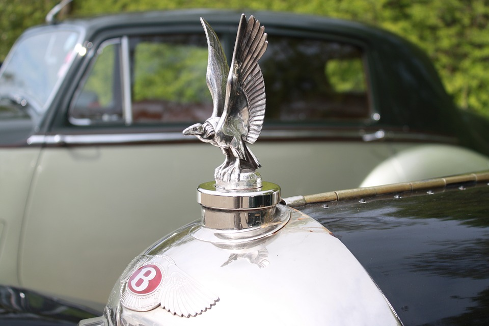 Having The Luxury Drive With Bentley Rental