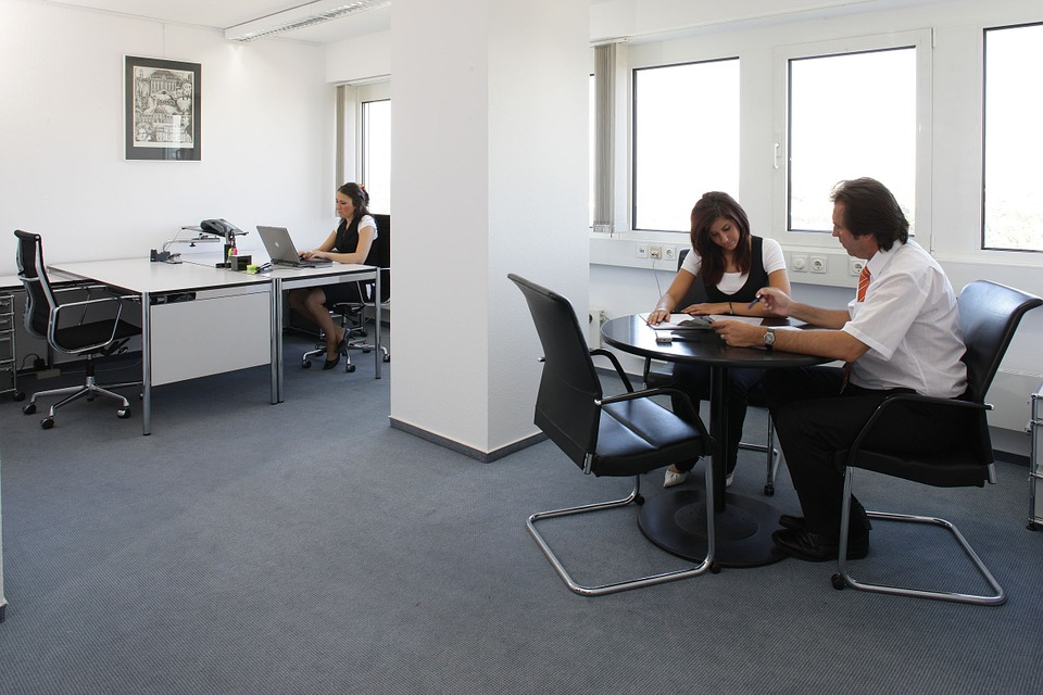Essential Factors To Consider When Shopping For Office Furniture