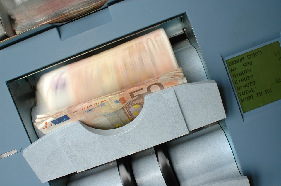Factors To Consider When Buying A Cash Counting Machine