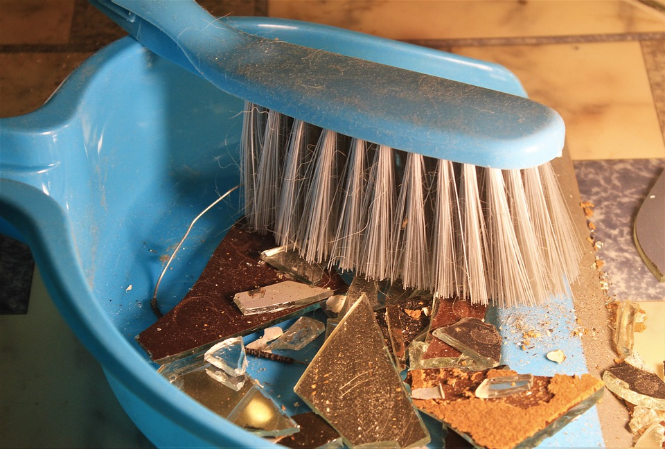 Benefits Of Using Rubber Dustpan And Brush