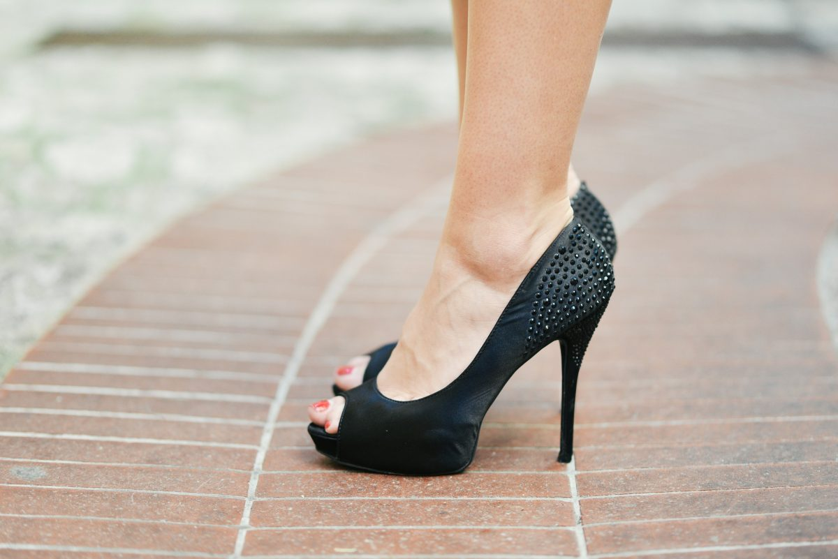 Tips On Buying Black Heels That Are Perfect For You