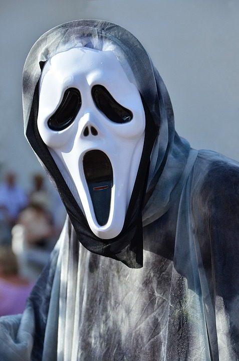 Halloween Or Costume Party? Get Animated Hanging Phantoms
