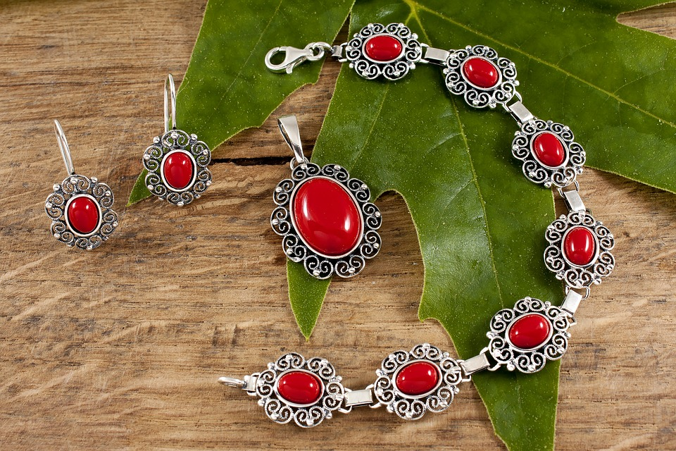 Wearing Red Coral Gemstone – Who Are The Right Candidates?