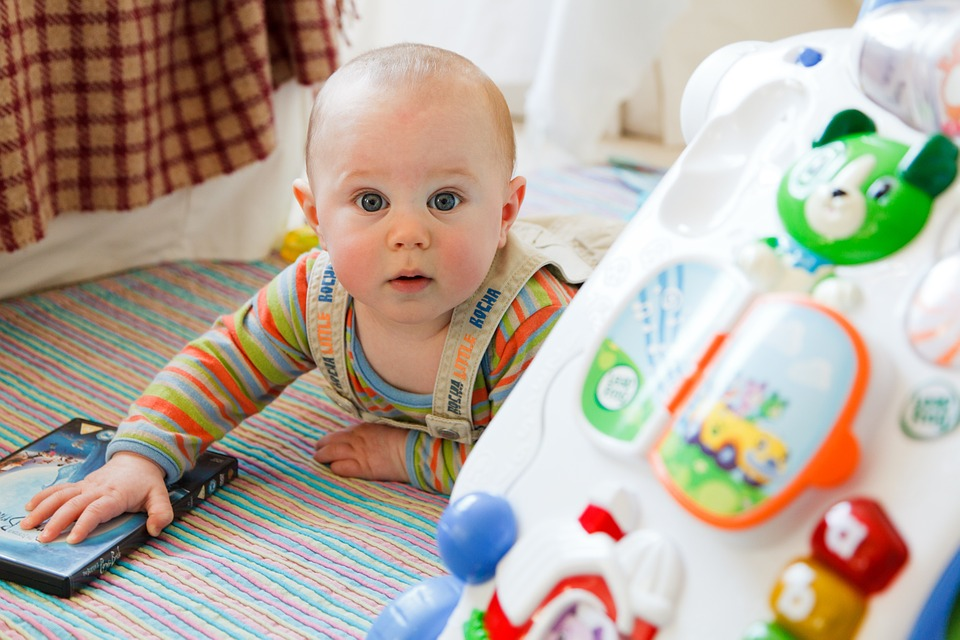 Why Should People Get Wholesale Baby Toys?