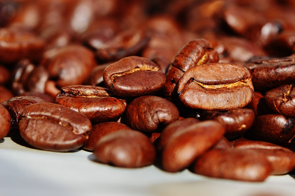 A Guide To Mixing And Matching Your Own Coffee Beans For Better Brews