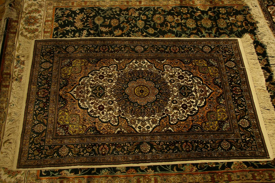 Tips For Buying Area Rugs Online