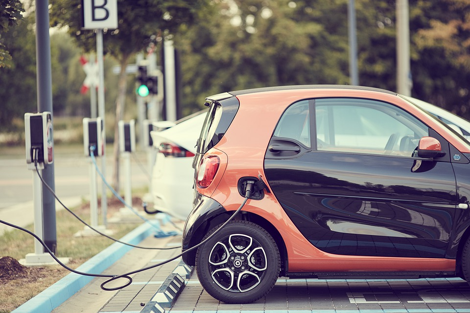 Features Of Car Charging Stations Australia Buyers Should Look Out For