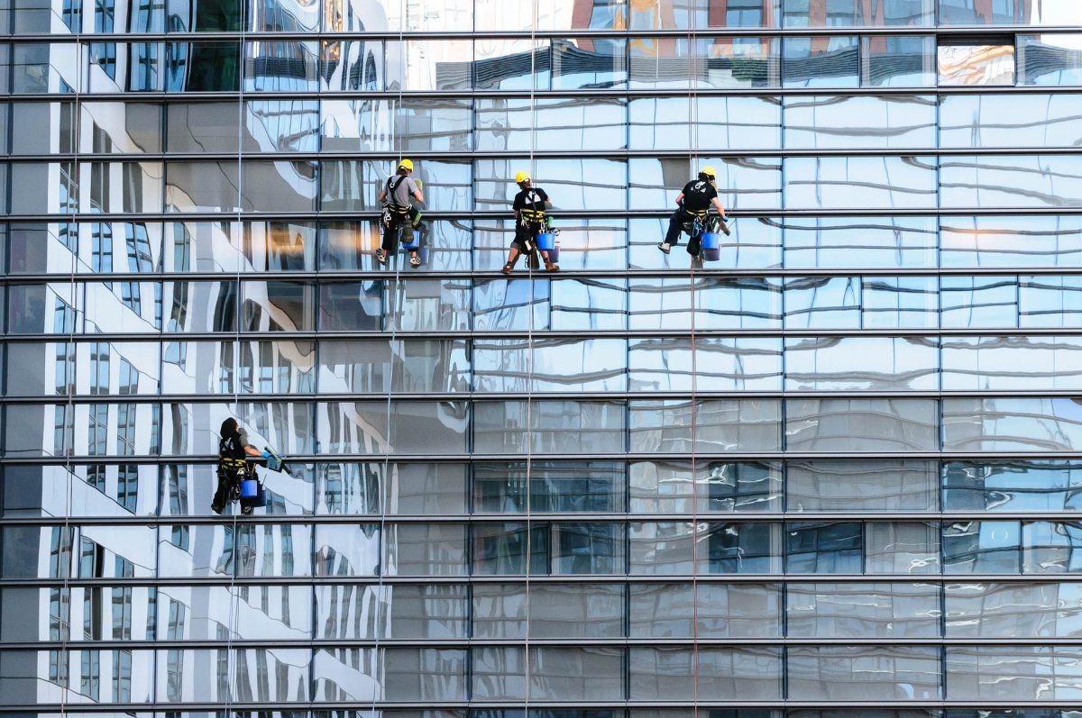 Hiring Professional Window Cleaning Services