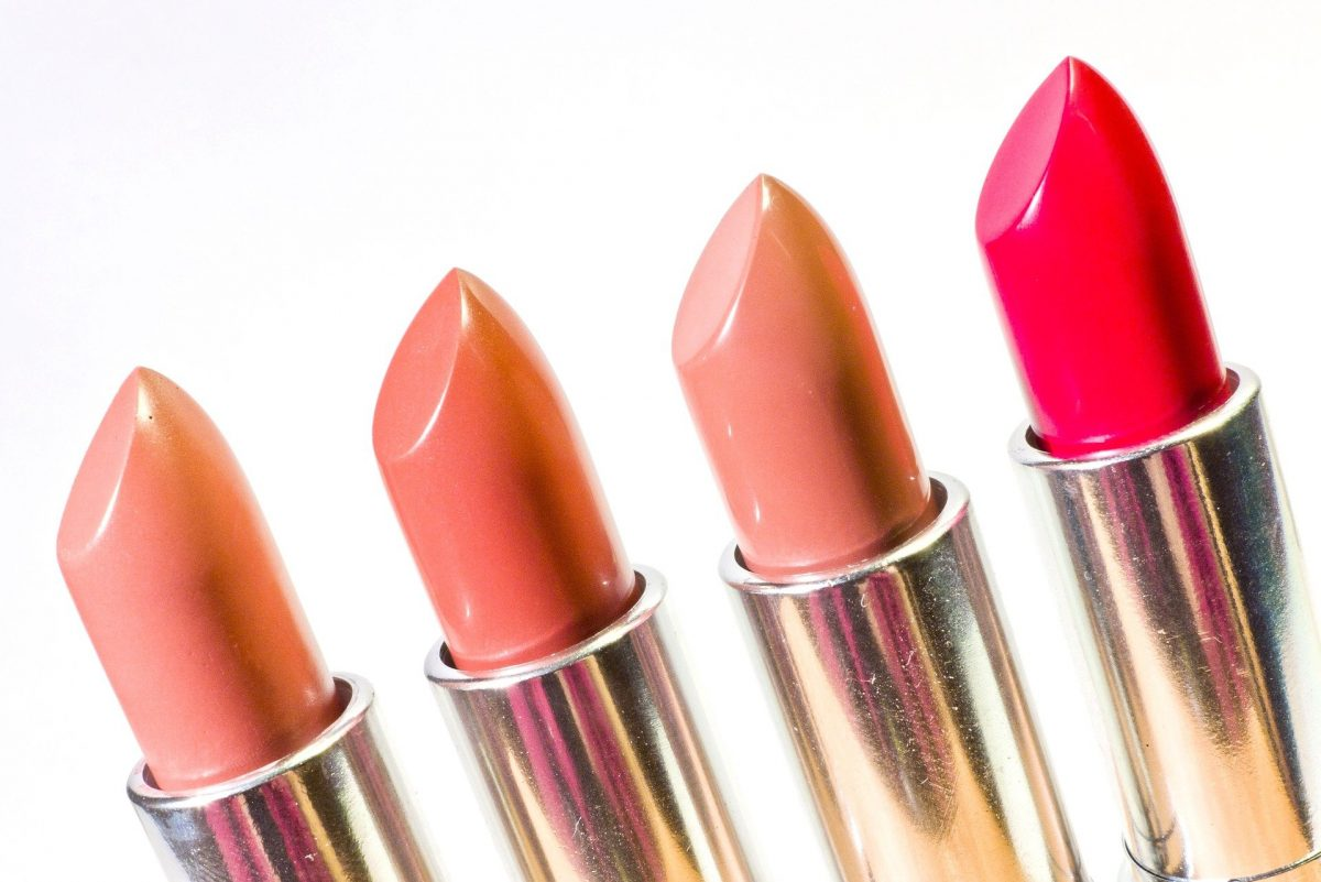 Factors To Consider When Shopping For Lipsticks