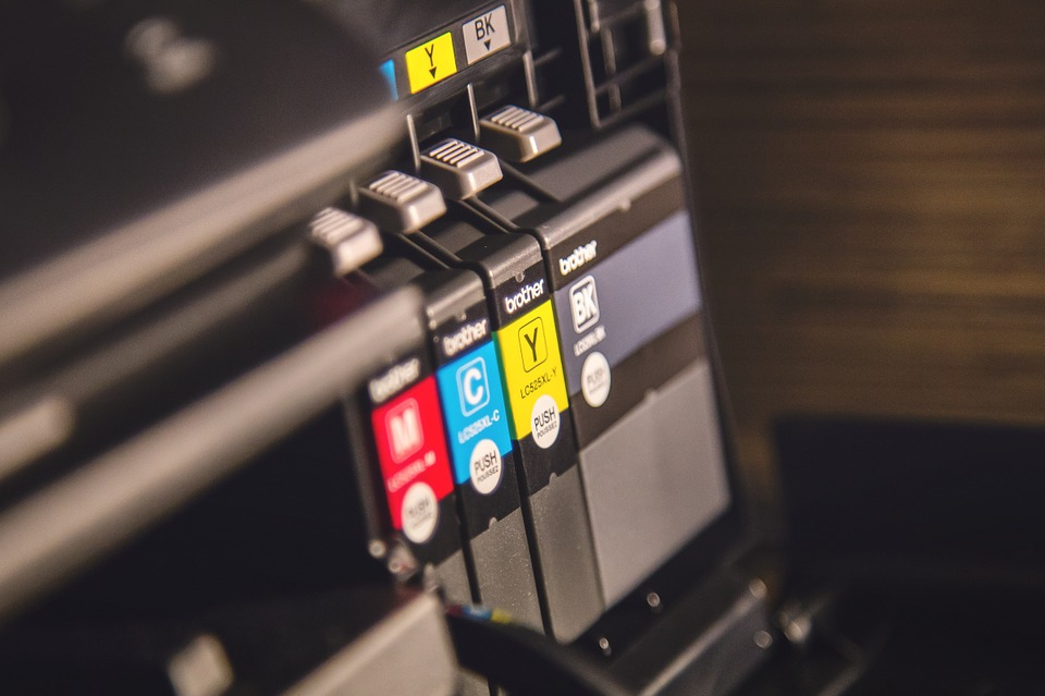 Choose The Best Decal Printer And Vinyl Cutter For Your Printing
