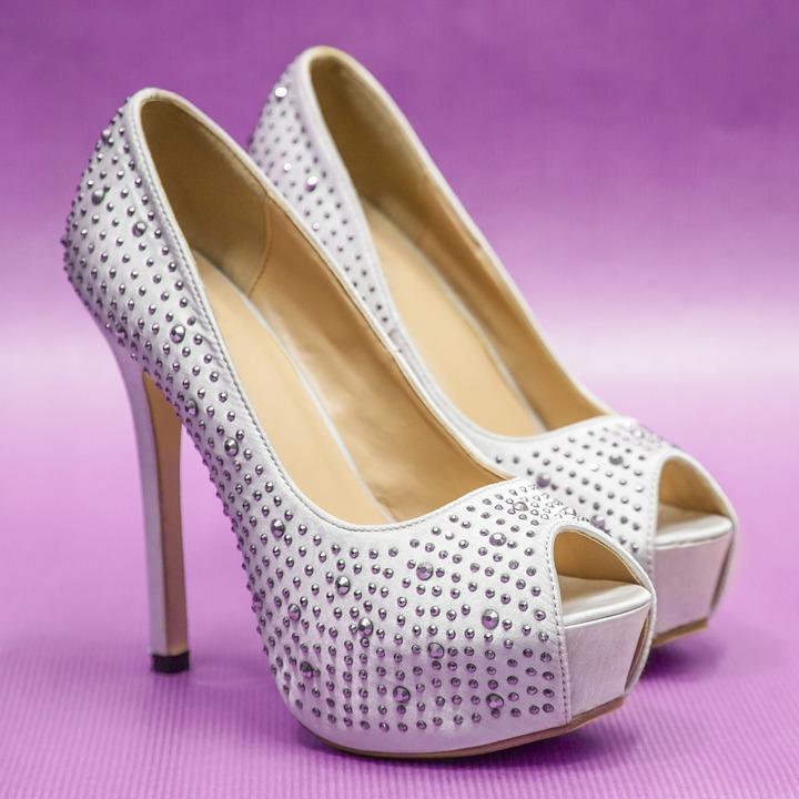 Tips On Choosing White Heels